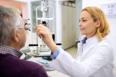 Image of Eye care professional doing an eye exam